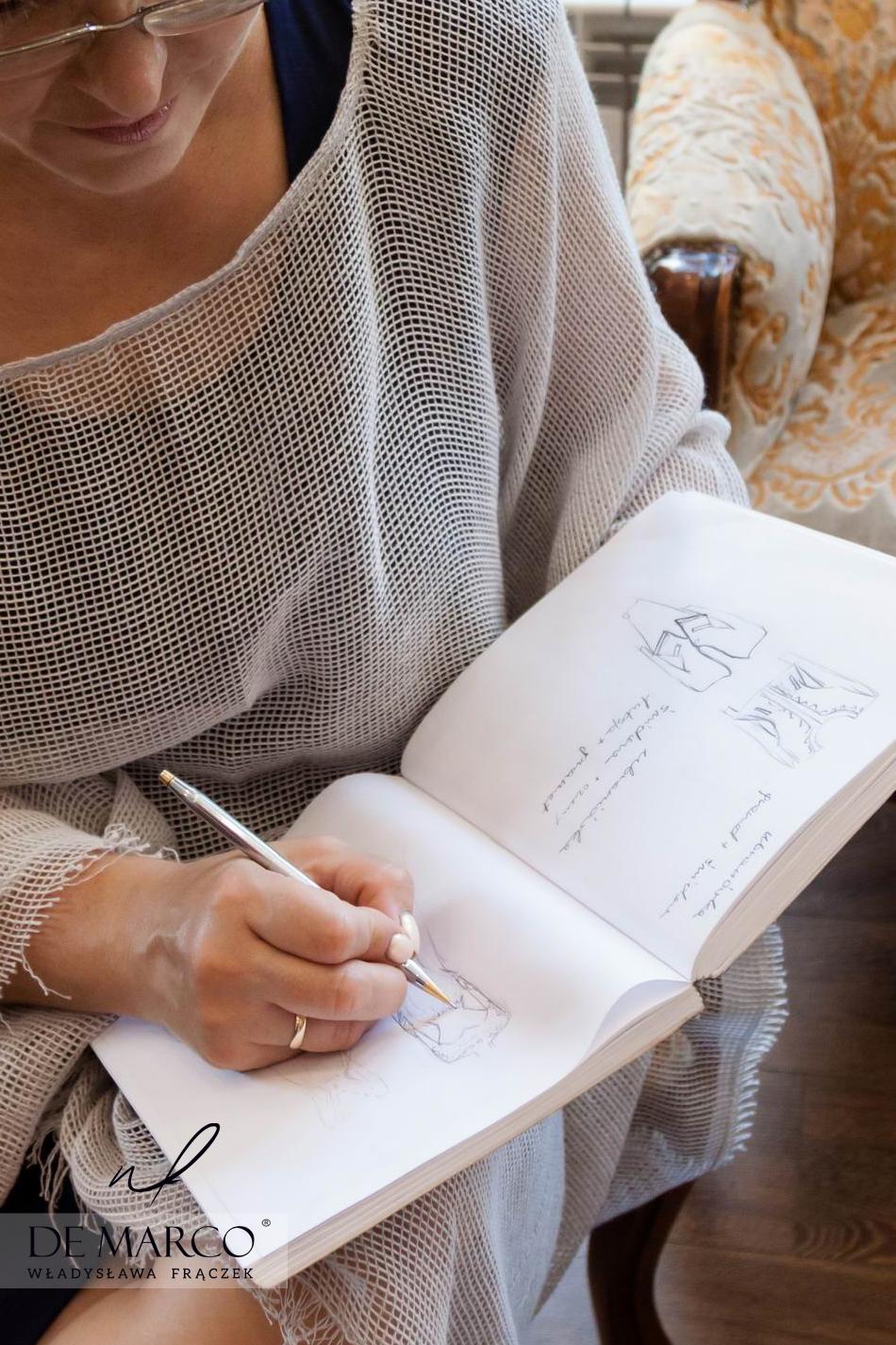 Stylizacja i projektowanie sukienki na wesele dla mamy lub garsonki na komunię w De Marco.U projektantki ubrań Agaty Dudy.