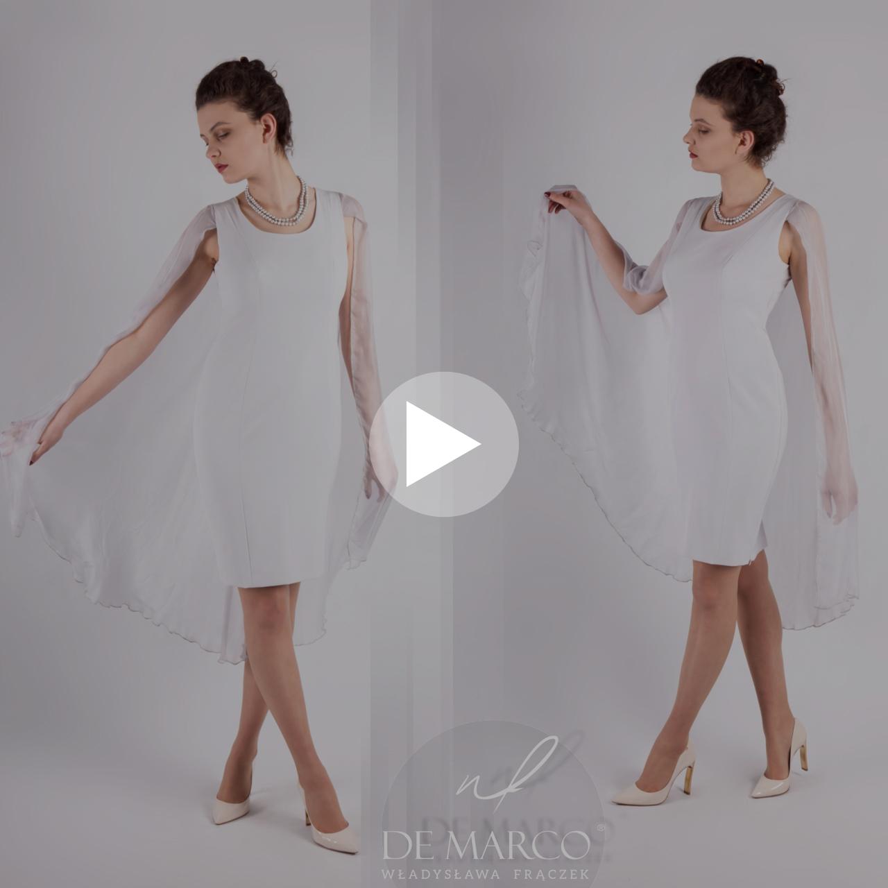 Ekskluzywne sukienki na wesele szyte na miarę w De Marco. Popielata suknia z jedwabiem dla mamy wesela i nie tylko. Kilka odsłon tej same sukienki różnymi żakietami i płaszczem.