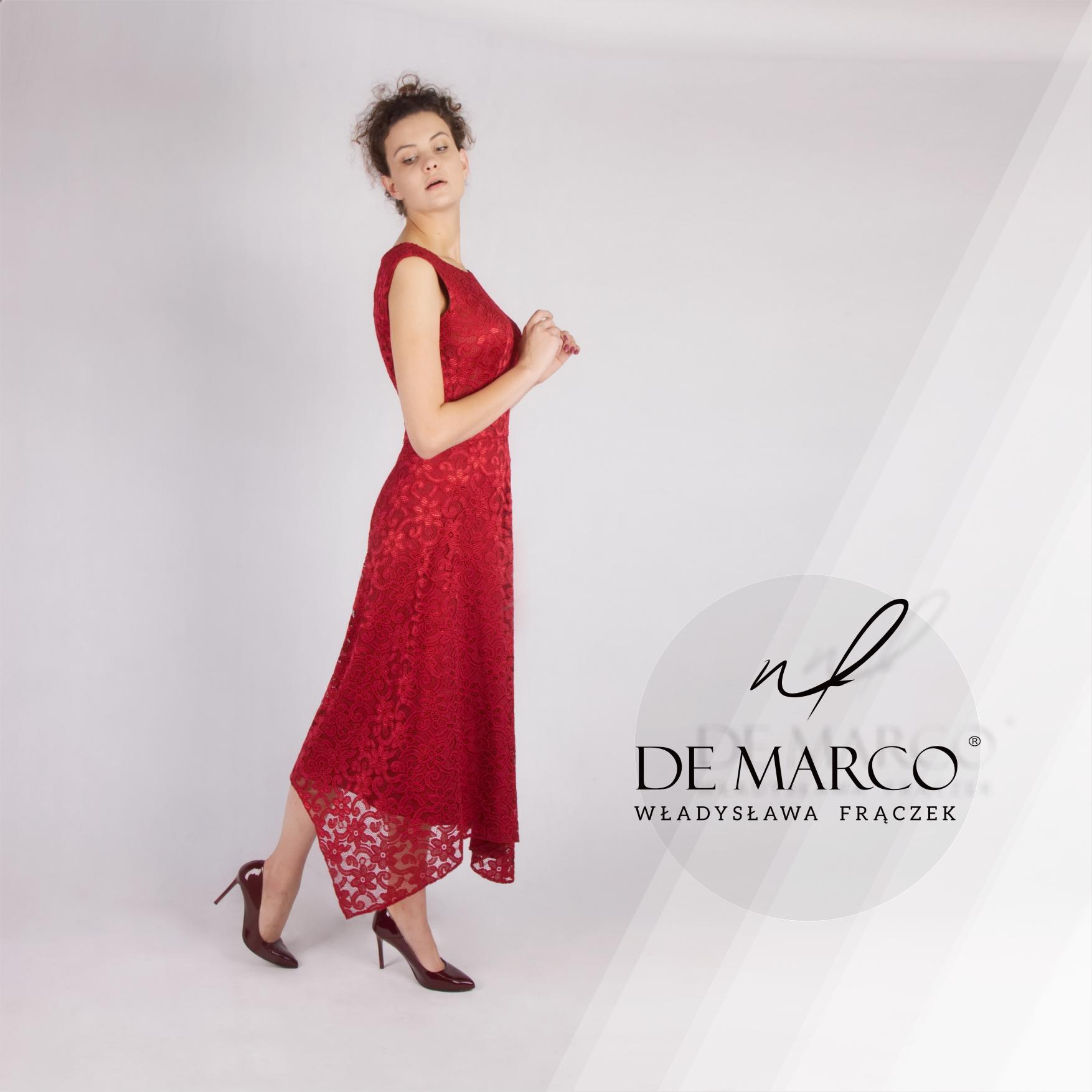 Ekskluzywna koronkowa sukienka na wesele. Asymetryczne sukienki szyte na miarę w De Marco. Sklep internetowy projektantki Władysławy Frączek.
